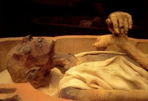 La momificación artificial. Los egipcios.